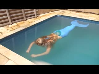Mermaid breath holding 2 minutes (no hyperventilation)