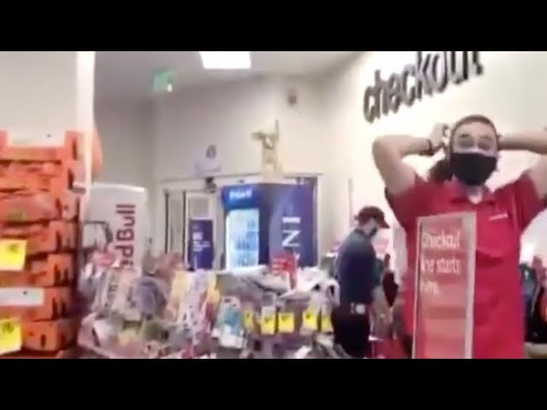 Insane BLM activist confronting CVS employee who called the Police on two shoplifters