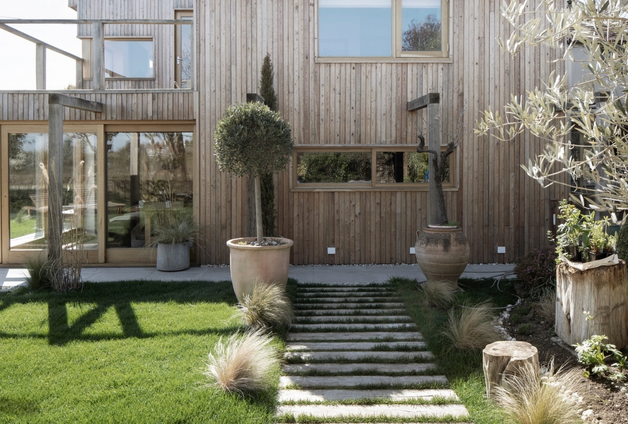 Island Cottage (280 м2) был отреставрирован по проекту Paul Cashin Architects, Великобритания.