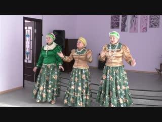 Трио Живая вода Браженко Римма, Синченко Светлана, Зубова Галина с песней Метелица,в музыкальной гостиной у Людмилы.