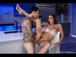 Brazzers - Day With A Pornstar: Desiree Dulce / Desiree Dulce & Small Hands