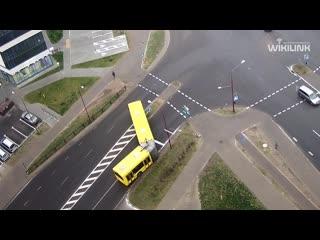 Гололёд и автобус. Появилось видео сегодняшнего ДТП в Бресте