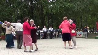 Танцы под духовой оркестр. 8 июня 2014г.