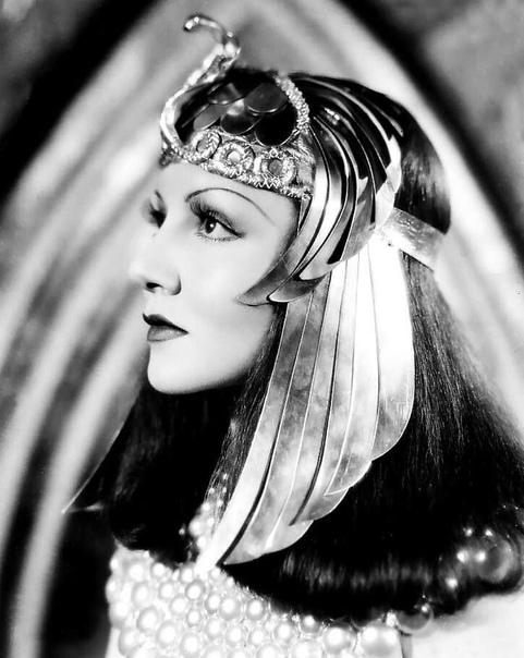 5 самых ярких образов Клеопатры на экране В ноябре 69 года до н.э. родилась Клеопатра, последняя царица Египта из македонской династии Птолемеев. Клеопатра, пожалуй, самая известная женщина