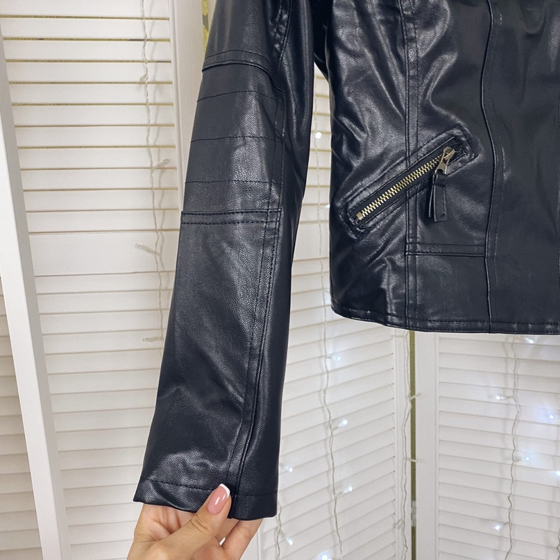 Совсем легкая курточка под кожу