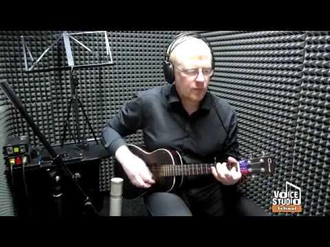 Павел Алпеев - преподаватель по классу укулеле. Voice-Studio School