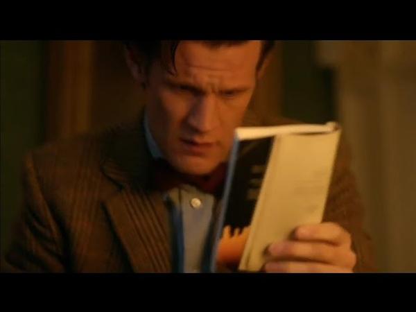 Доктор узнаёт о смерти Эми и Рори в книге Доктор Кто