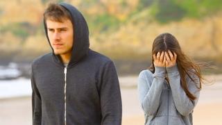 Он сделал предложение девушке, но она отказала, сказав: «мне нужен мужчина а не мальчик».