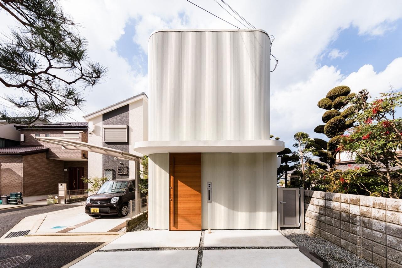 Melt — компактный дом с внутренним садом в Японии по проекту архитектора Сатоси Саито.