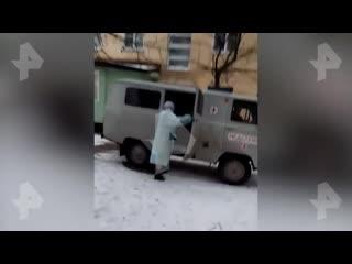 Владимирские врачи сбежали от инвалида с COVID