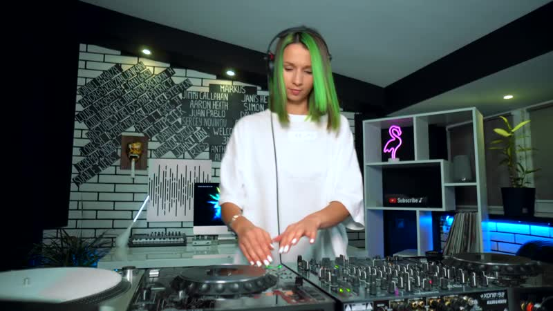 Passenger 10 Tales And Dreams Eran Hersh Remix played by Miss Monique