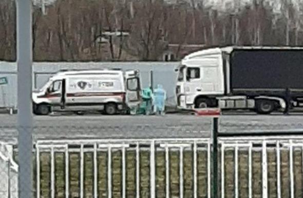 Уже и в Бресте? Вчера на границе работали медики в защитных костюмах. Что это было?