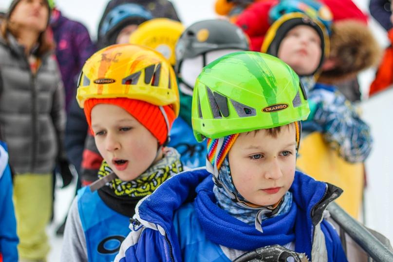 Главные отечественные ледолазные старты сезона финишировали в городе Кирове в минувшие выходные – чемпионат и первенство России по альпинизму. Всем было что доказывать и что терять…, изображение №16