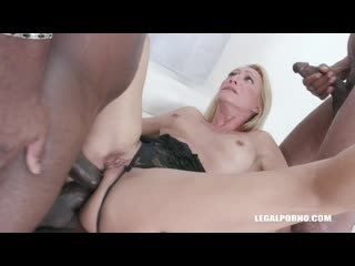Bethie Lova discovers black feeling and takes 2 BBC in the ass b