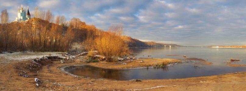 Ноябрь. Вид на Волгу у села Безводное в Кстовском районе Нижегородской области. Фото Александра Кульгина
