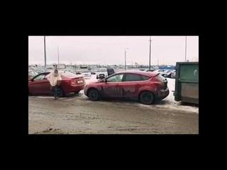 Правильный выезд с парковки, прикол