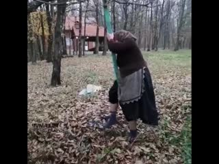 Детство никуда не уходит, оно внутри живет)
