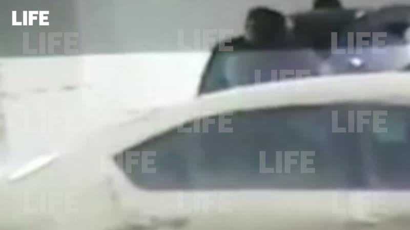 Чоповец, которому коллеги угрожали изнасилованием, перед этим зверски избил человека — видео.mp4