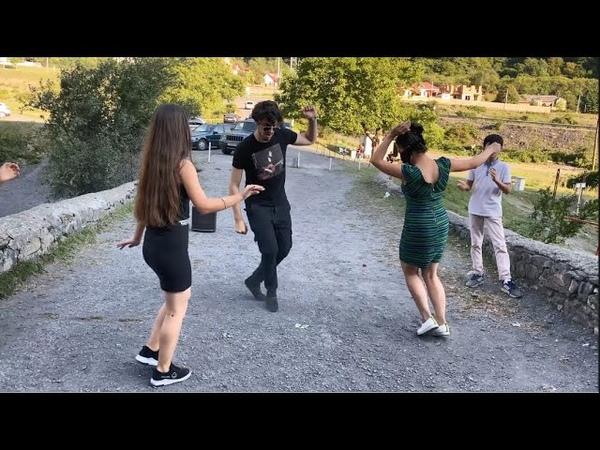 Девушки Танцуют Просто Классно Под Хит В Горах Самая Четкая Лезгинка Чеченская Чап Чап ALISHKA 2020