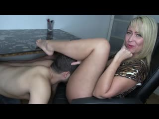 Bosses-Wife порно секс зрелая подчинение кунилингус раб лижет пизду куни прон анал минет
