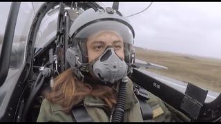 Femme pilote de chasse sur Alphajet (Female Fighter pilot-Women's Day)