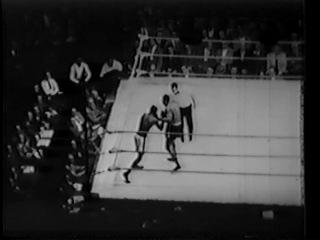 1952 02 27 Аrсhiе Мооrе vs Jimmу Slаdе