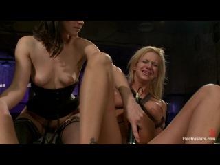 Bobbi Starr, Amber Rayne & Kaylee Hilton (Give me the Pleasure. Give them the Pain /