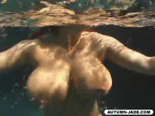 Грудастая autumn jade — tits underwater (сиськи под водой) • 30stf