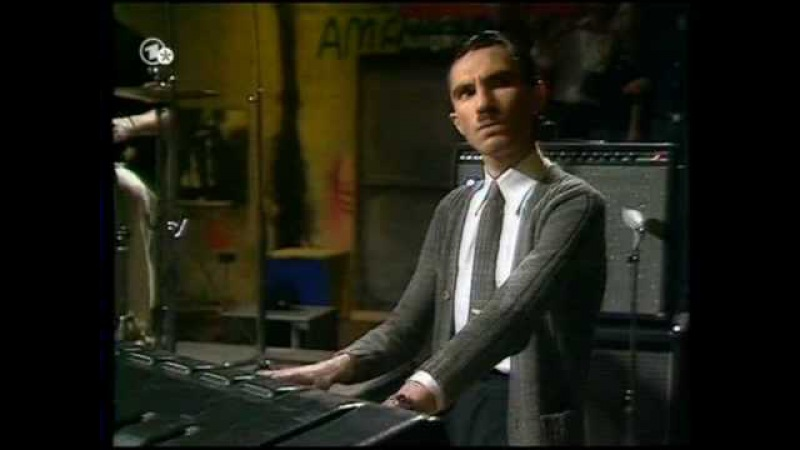 Sparks - Something For The Girl With Everything (in the studio live)