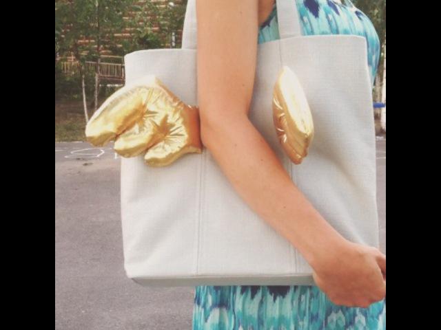 "@wingsbags on Instagram ""Взмах золотых крыльев Golden Wingbeat упавшаяснеба fallenfromthesky wingsbags wings beat bag baby сумка стиль золото gold…"""