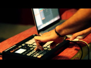Federico Cerati - Live Improvisation on Native Instruments Maschine Mikro