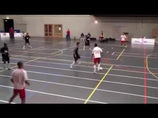 Нереальный финт в мини футболе