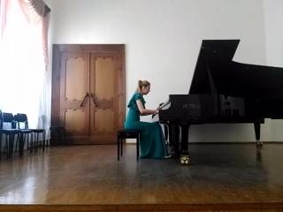 Карина Хасанова -Бабаджанян Мелодия(зачет по фоно)
