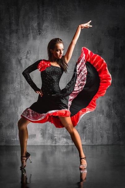 сомневаюсь, что фото танцовщиц латиноамериканских танцев поговорил актрисой том