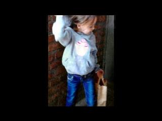 «Доченька» под музыку шмакодявка - Голубые глазки, Розовые щёчки, Едет на гастроли, Маленькая дочка!  Я не шмакодявка!:). Picrol