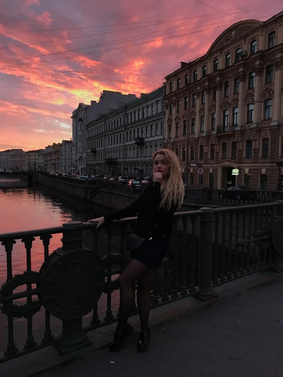 Лиза Манюкова