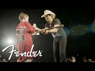 Brad Paisley On Inspiring Today's Young Guitarists | Artist Signature Series | Fender