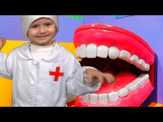 Bad Baby ДОКТОР Лечит Джокера BABY DOCTOR Check Up Freaky Joker