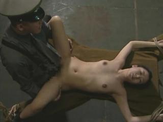 Японское порно про концлагерь(32 war prison) [cen] (bdsm бдсм, изнасилования, rape, бондаж)