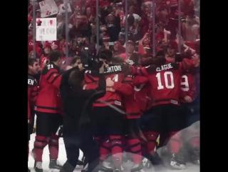 Сборная Канады - победитель молодежного чемпионата мира по хоккею