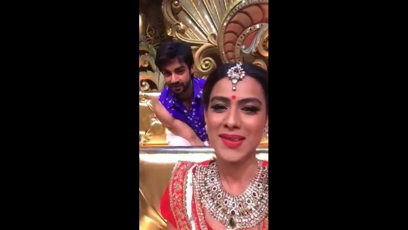Nia SharmaНиа Шарма на шоу Comedy nights bachao