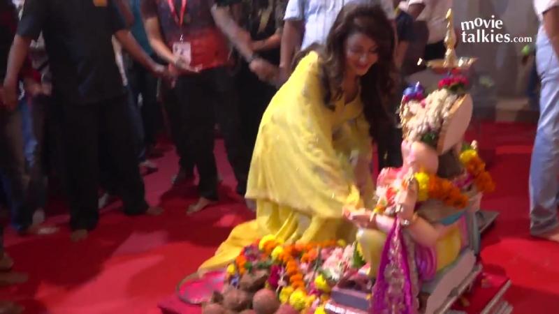 Urvashi Rautela Visits Andheri Cha Raja смотреть онлайн без регистрации