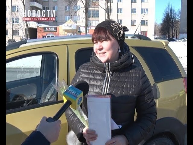 8 марта ни одна автоледи Новочебоксарска остановленная инспекторами ГИБДД не осталась без цветов
