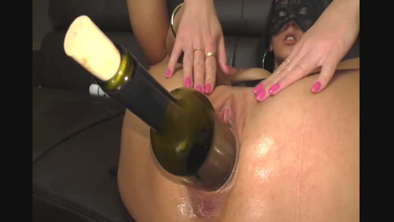 Wine insertion, big pussy flap fuck