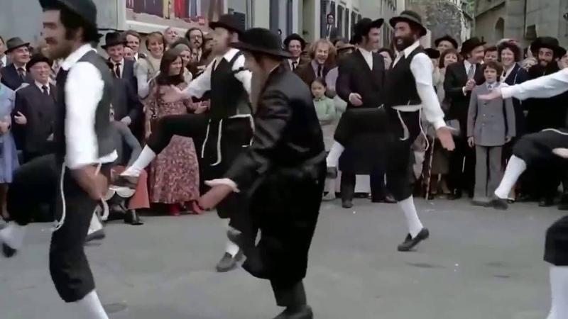 Louis De Funès Danse le Rabbi Jacob By Skutnik Michel