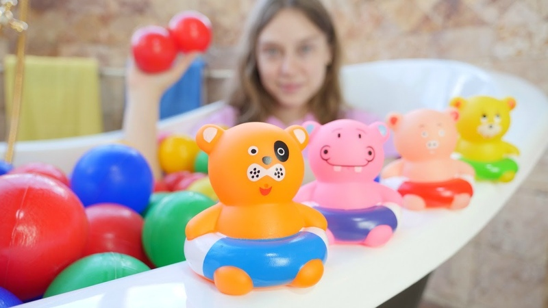 Leluvideo lapsille Uimassa Pipsa Possun kanssa Hauskoja lasten pelejä