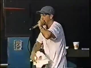 [#NW]: Eminem & D12 - «Выступление на музыкальном фестивале Voodoo» [2000]