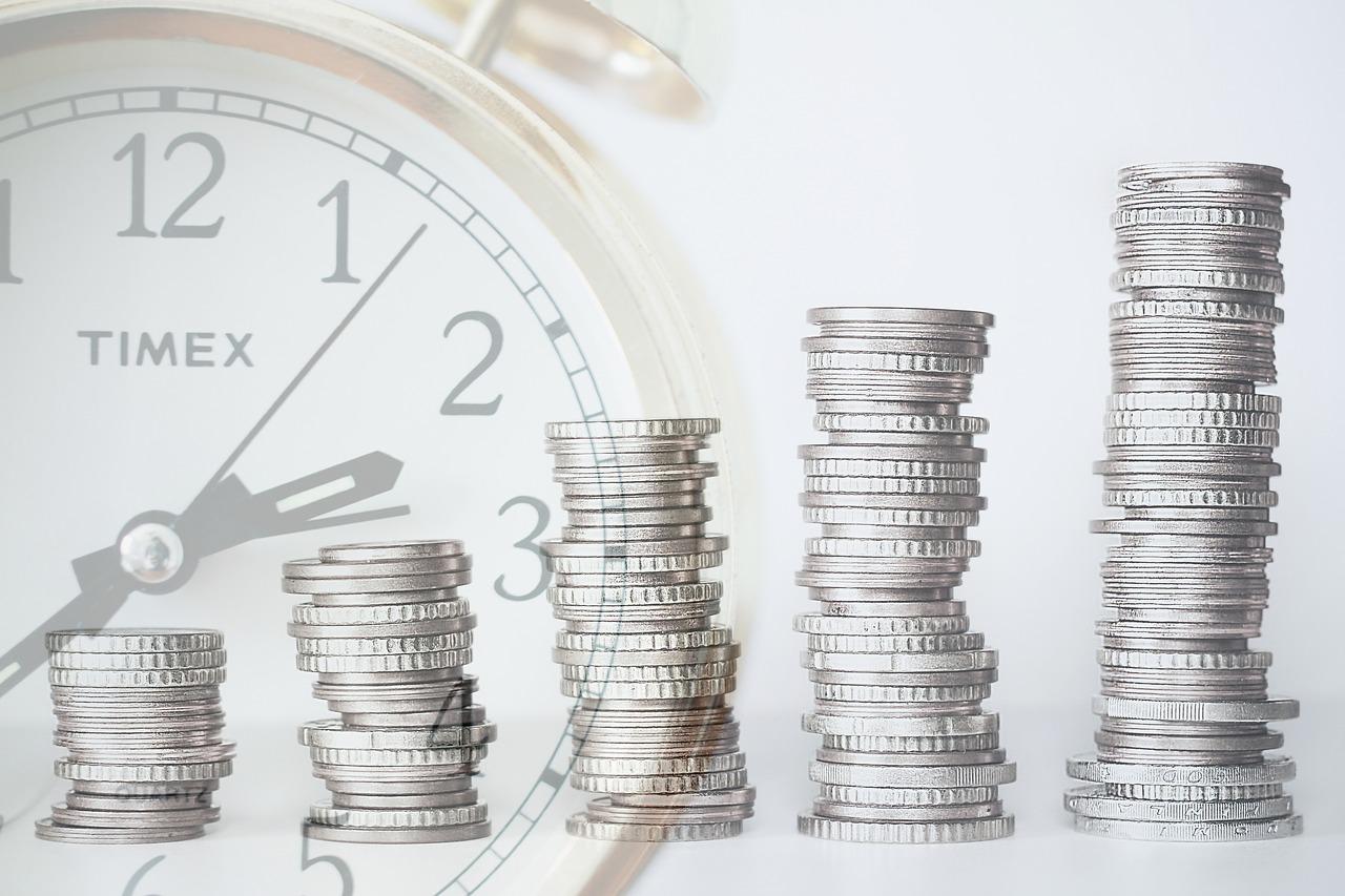 Пенсионеры, на чьем иждивении находится школьник или студент, имеют право на повышенный размер пенсии