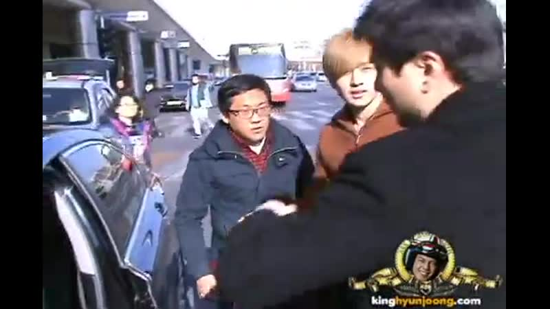 2012.02.08 KIM HYUN JOONG fancam - Gimpo Airport (Arrival from Japan, HND)