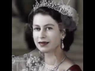 Интересное видео - английская королева Елизавета II от рождения до н.д.